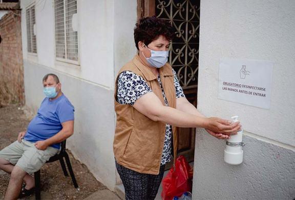Afrucat trae a los primeros 250 trabajadores para el campo desde Rumanía