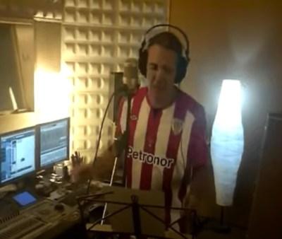 Joseba Gotzon grabando en Koba Estudios