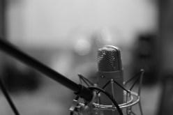microphone-1003557_1920