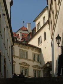 Praga, calles escalonadas hacia el Castillo