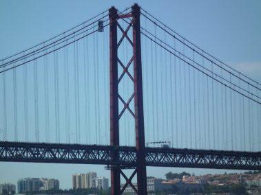 Puente 25 de abril, detalle