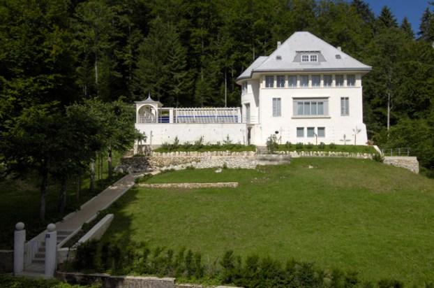 Villa Jeanneret-Perret, también conocida como Maison Blanche, fue la primera obra individual del arquitecto (1912).