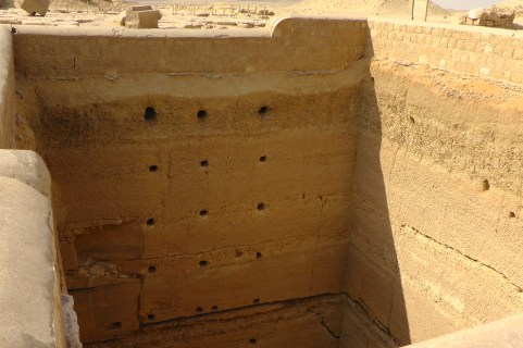 A second generation grain silo in the Djoser complex.