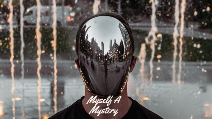 Mirror Mirror, Myself A Mystery For All To See, josephkravis.com, kravis