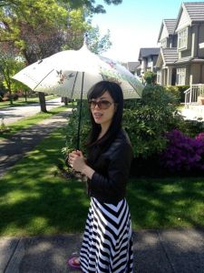 Akemi has dusted off her parasol.