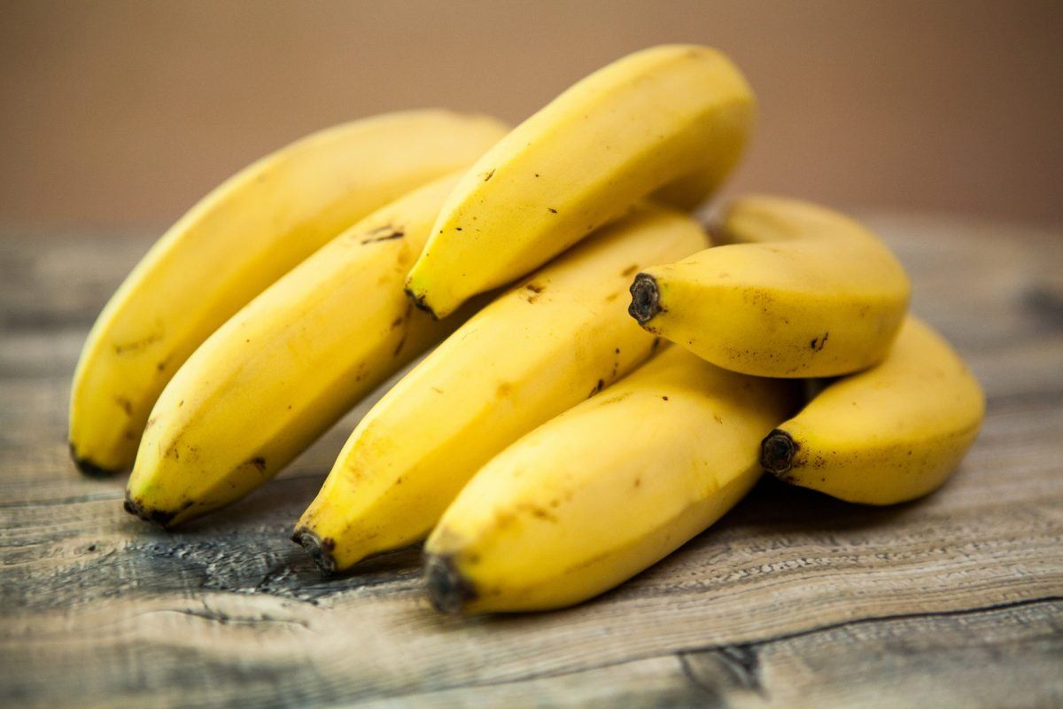 Raw green or Ripe Bananas key in our top 10 Healthiest & Nutritious Fruits