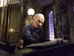imagen de un duende banquero o Goblin, ser imaginario.