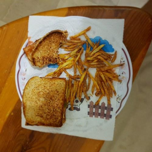 Sandwiches con papas a la francesa