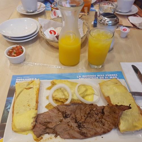 Almuerzo mexicano de Vips