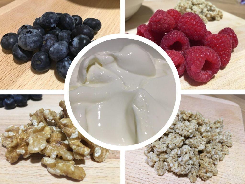 ingredientes postre con yogur griego natural