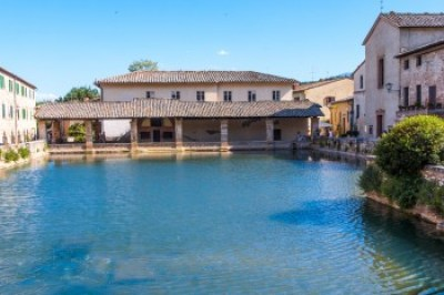 Tuscany - Bagno Vignoni sulphurous springs,