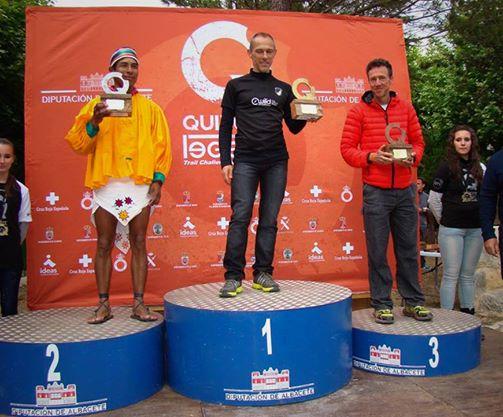 El tarahumara Silvino Cubésare ganó el Ultramaratón de España en la categoría senior y fue segundo general, tras realizar 16 horas 42 minutos y 11 segundos. ¡Felicidades, campeón! Conoce la historia en:http://bit.ly/Ti2UkC