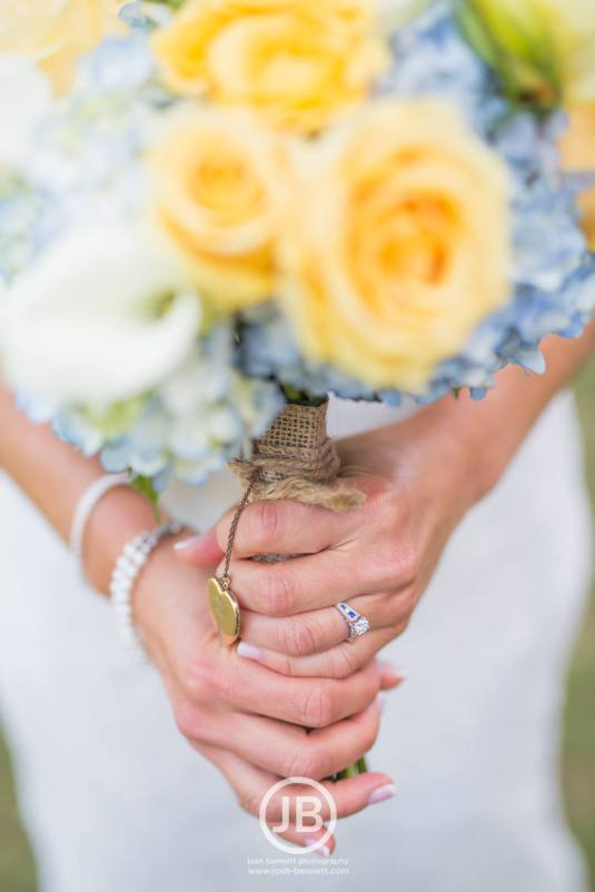 Yellow and blow wedding flowers