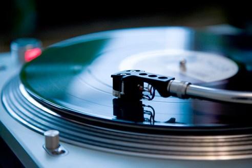 1001_vinyl_630x420