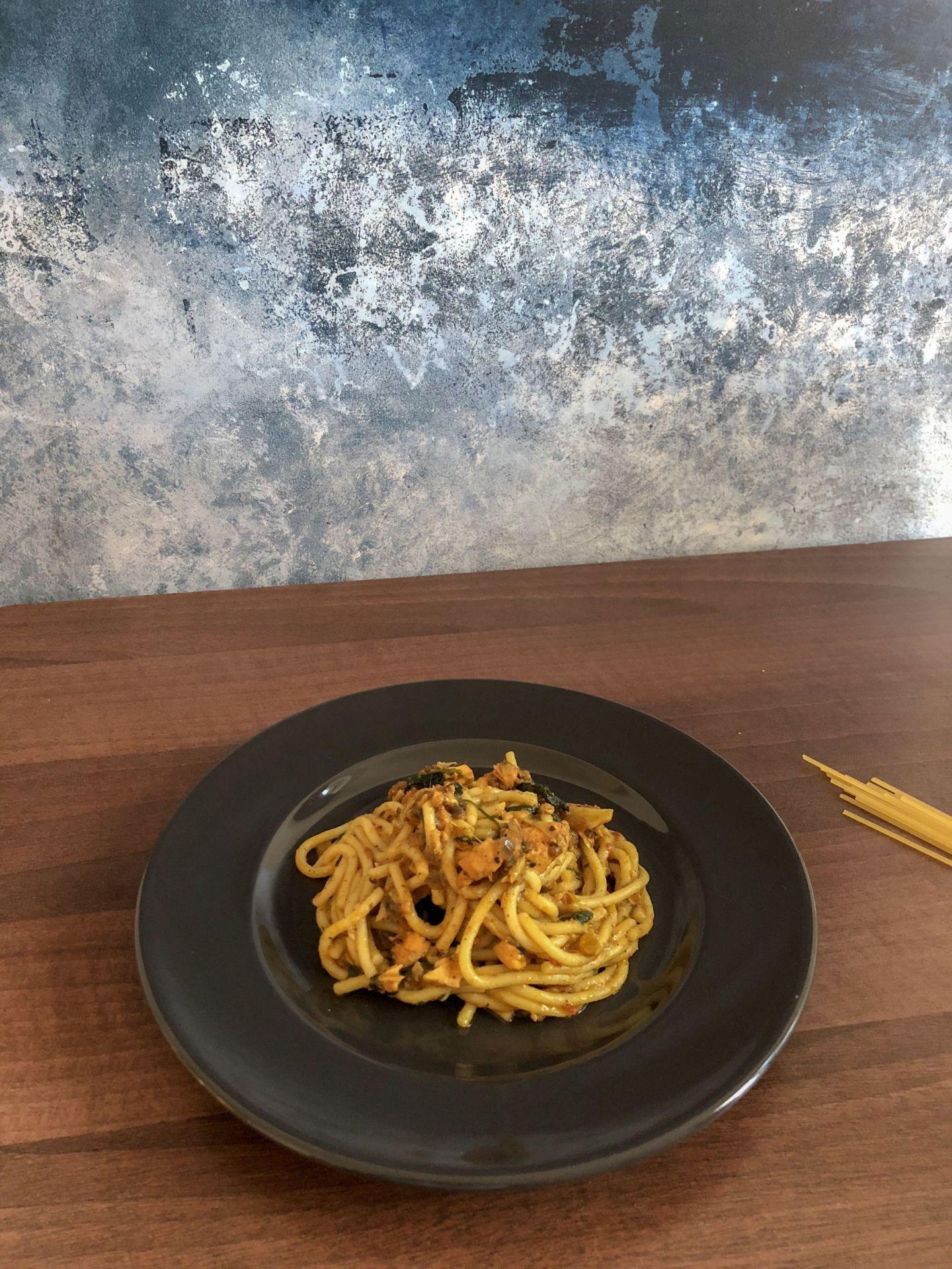 spicy salmon spaghetti
