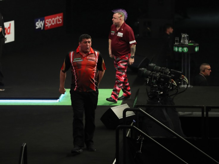 Mensur Suljovic v Peter Wright.jpg