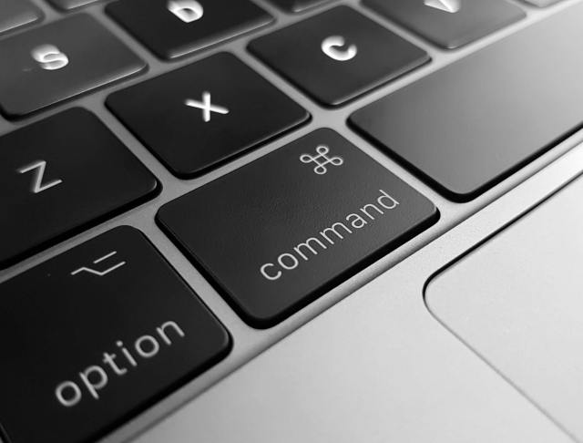option and command keyboard keys on laptop