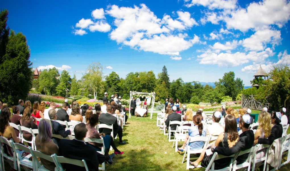 Mohonk Mountain House Wedding, New Paltz NY. Wedding Pictures by New York Wedding Photographer Josh Wong Photography