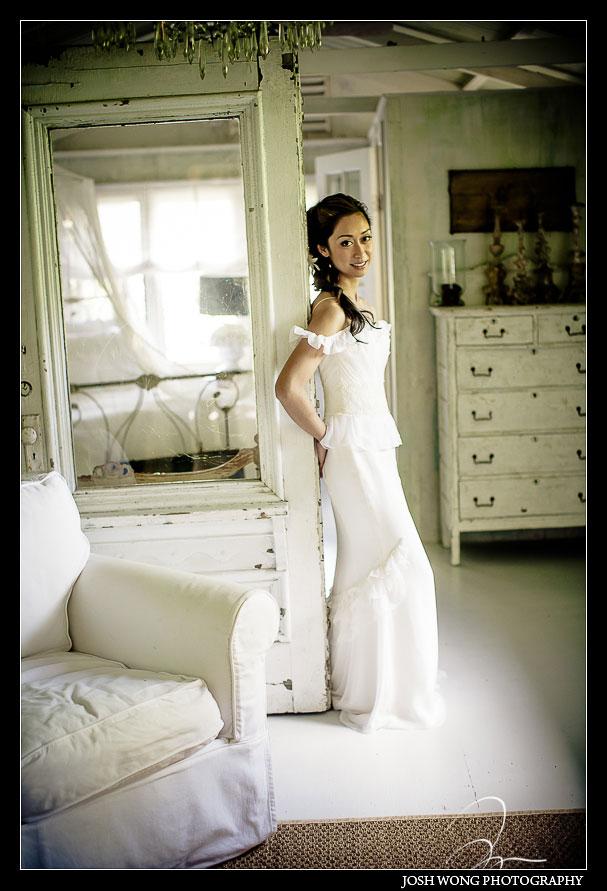 The bride getting ready in the bridal suite at Haiku Mill. Haiku Mill Destination Wedding, Maui Hawaii - Wedding Pictures by Destination Wedding Photographer Josh Wong Photography
