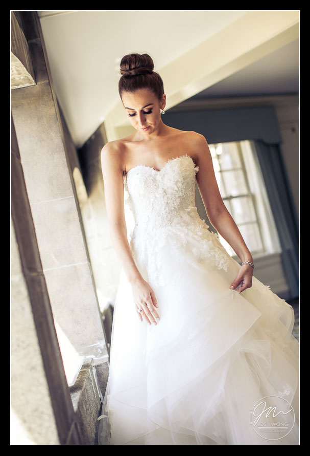 Wedding dress by Monique Lhuillier. Wedding photos by Best Wedding Photographers Josh Wong Photography