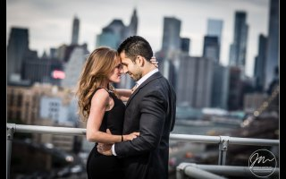 Dumbo Engagement Photo Shoot. Pictures by Top Engagement Photographer Josh Wong Photography