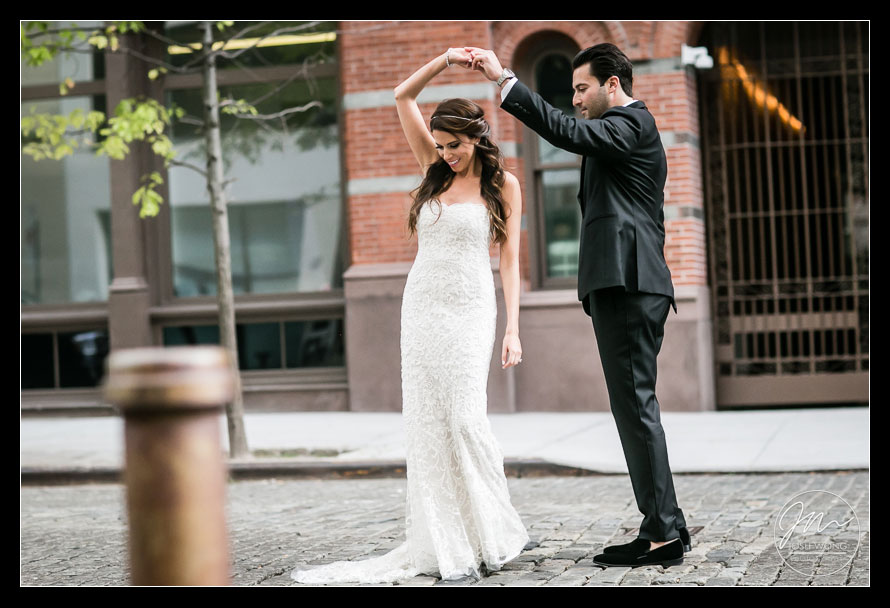 First look reveal wedding pictures on the streets of Tribeca
