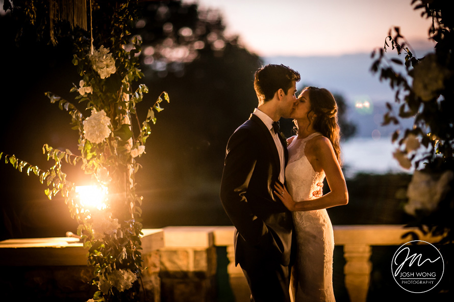 Sunset Wedding Pictures at Tappan Hill Mansion Tarry Town - Josh Wong Photography