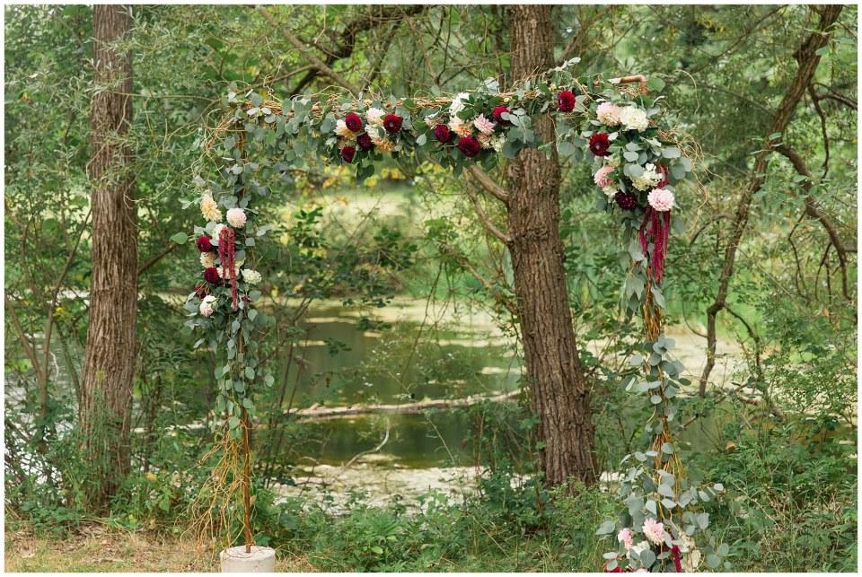 Caleb Amp Callies Navy Amp Cranberry Backyard Wedding In