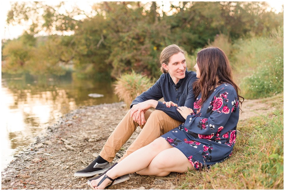 Andy & Sam's Peace Valley Park Fall Engagement Session Photos_0027.jpg