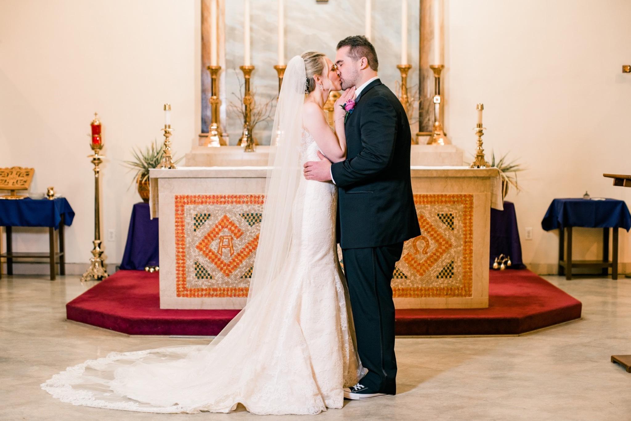 Kiss Staten Island Wedding