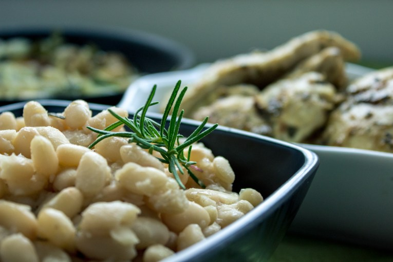 Braised White Beans for Zoe's Fans