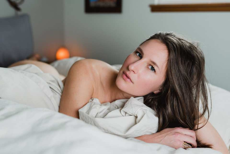 Woman poses in naked boudoir photo | Josie V