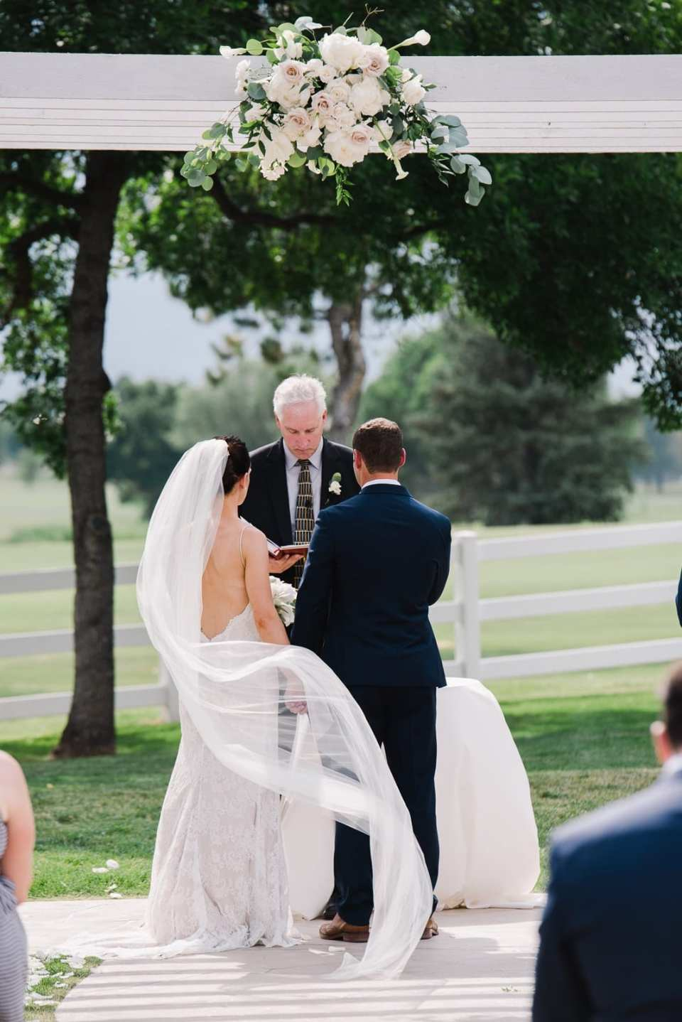 Classic wedding ceremony at the Barn at Raccoon Creek | Josie V Photography