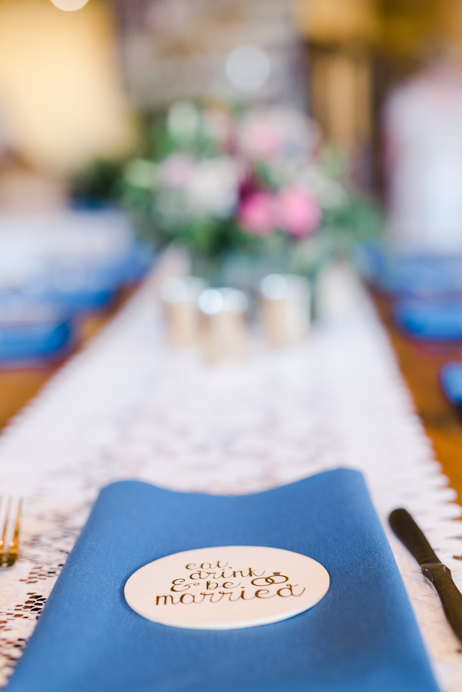 Wedding Table settings at Breckenridge Nordic Center | Josie V Photography