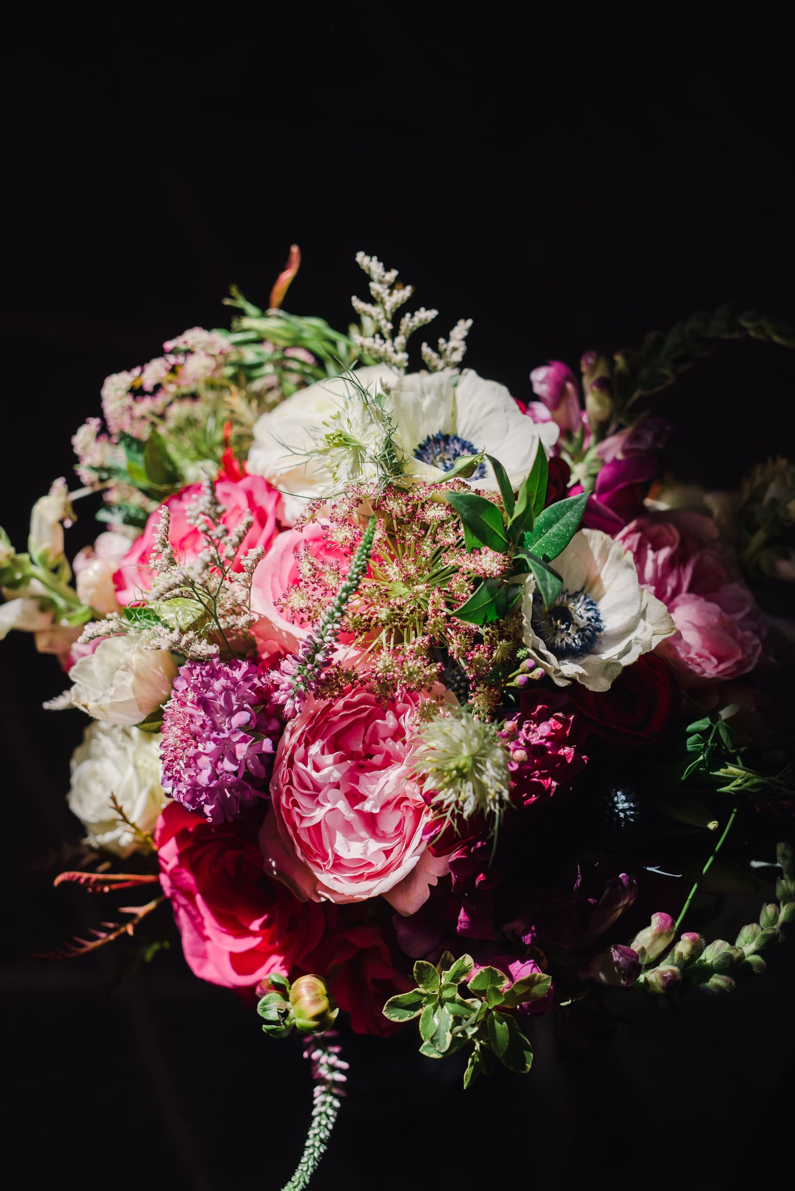 Vibrant wedding bouquet | Josie V Photography