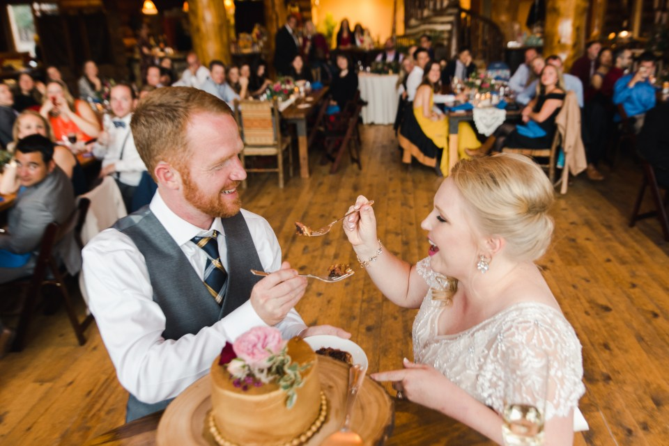 Couple eats Wedding Cake | Josie V Photography