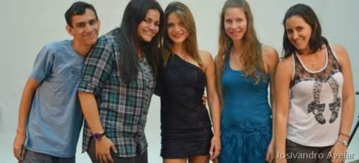 Grupo do trabalho de Fotografia realizado no dia 21 de setembro. Da esquerda para a direita: eu (Josivandro Avelar), Vanessa Pordeus, Rebeca Mariz (modelo), Vanessa Dantas e Vanda Emília.