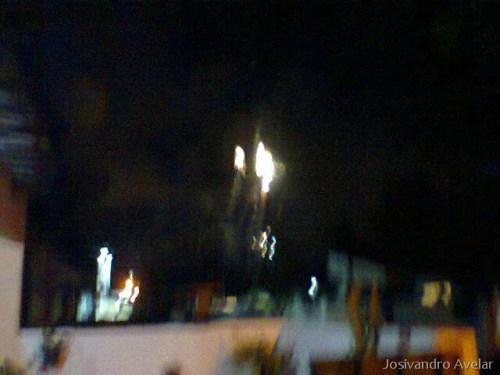 O céu se ilumina para receber 2012.