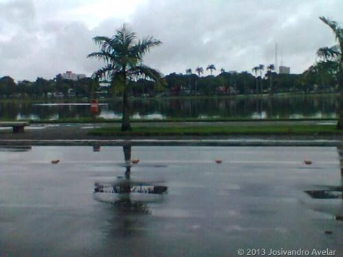 lagoa em dia de chuva 1