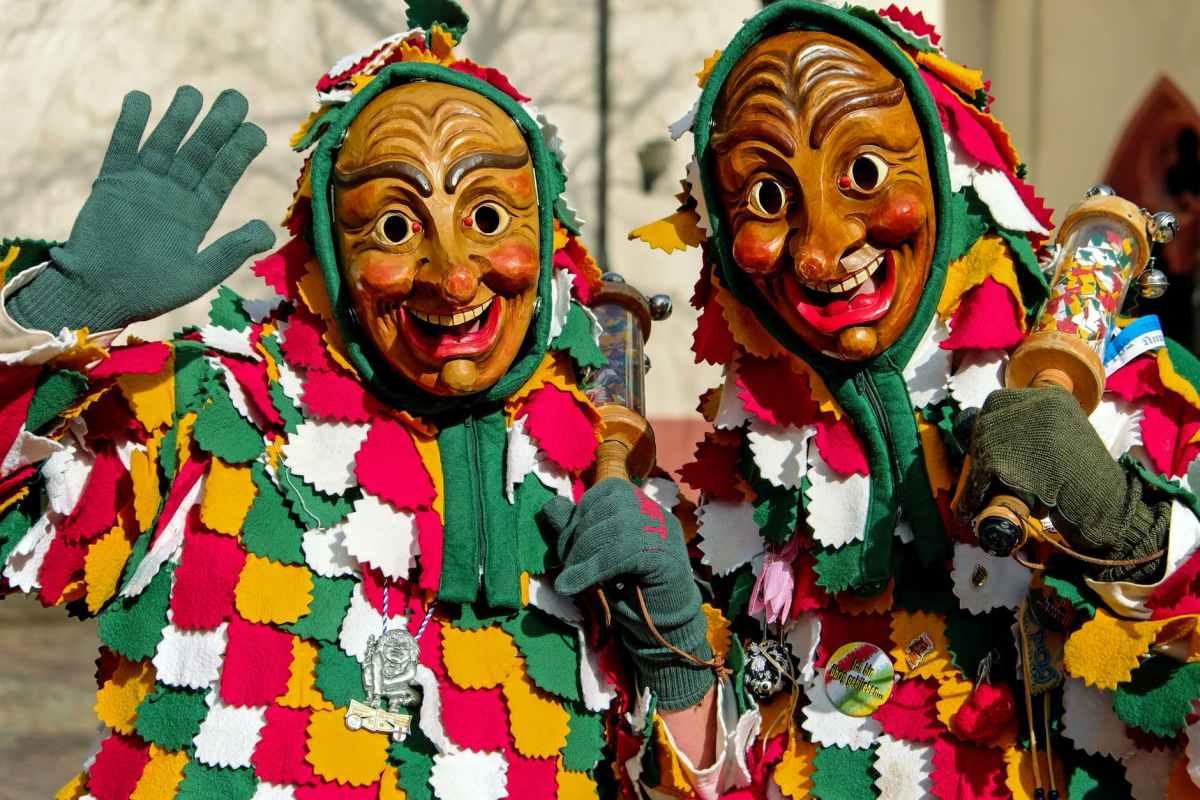 adorable art carnival carved