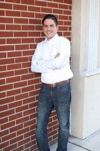 Josue Sierra, Marketing leader