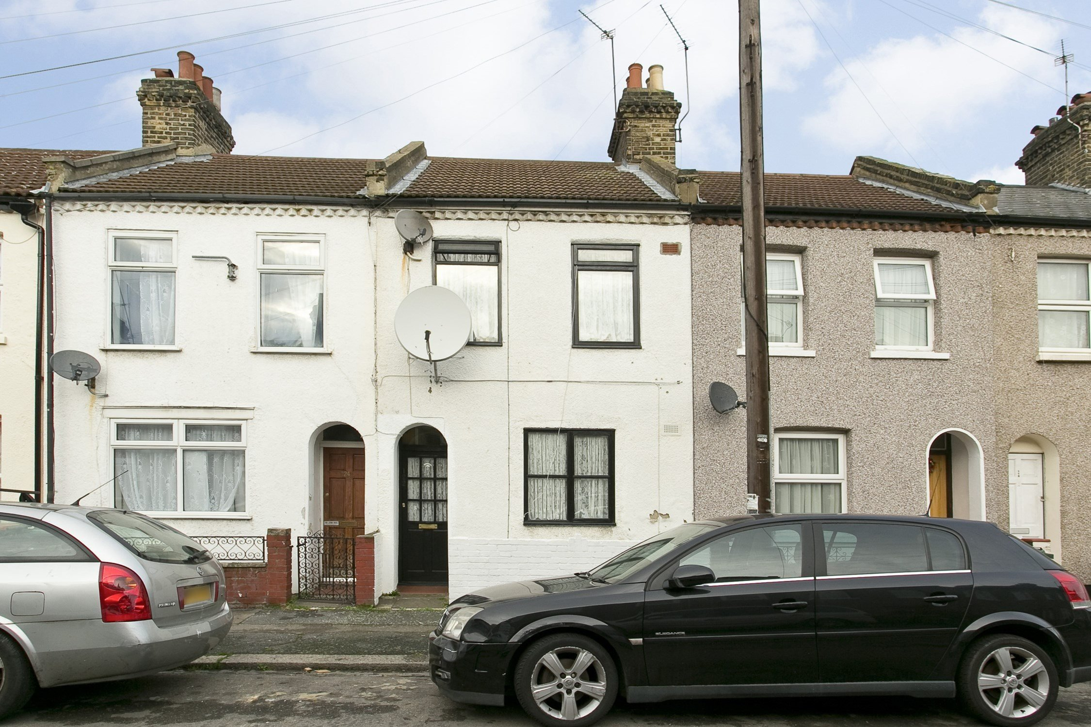 Best Portico 2 Bedroom House Recently Sold In Plaistow With Pictures