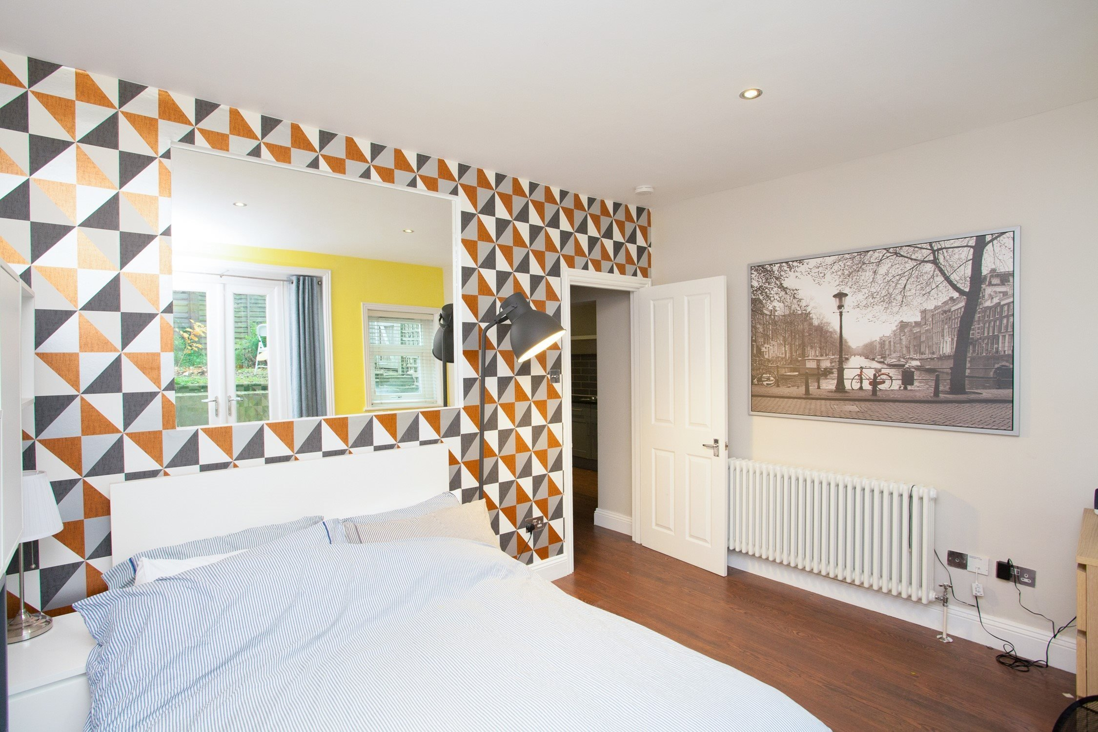 Best Portico 2 Bedroom Flat For Sale In Acton Horn Lane W3 With Pictures