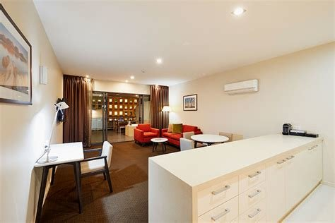 Best One Bedroom Deluxe Rooms At Racv Ract Hobart Apartment Hotel With Pictures
