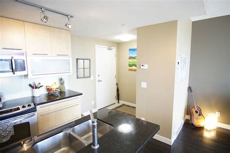 Best 1 Bedroom Condo Calgary Www Indiepedia Org With Pictures
