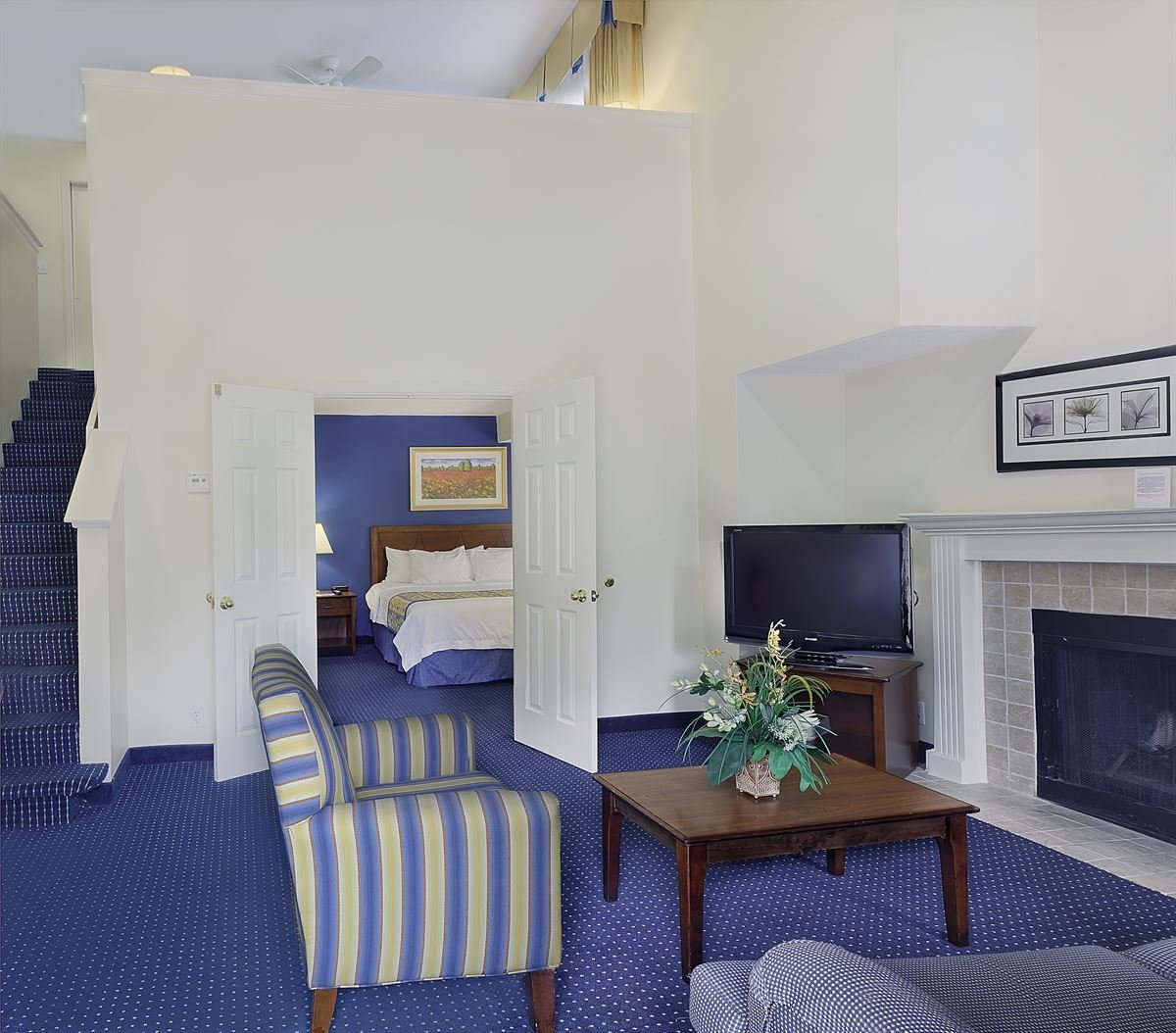 Best Hotel In Charlotte North Carolina Cloverleaf Suites With Pictures