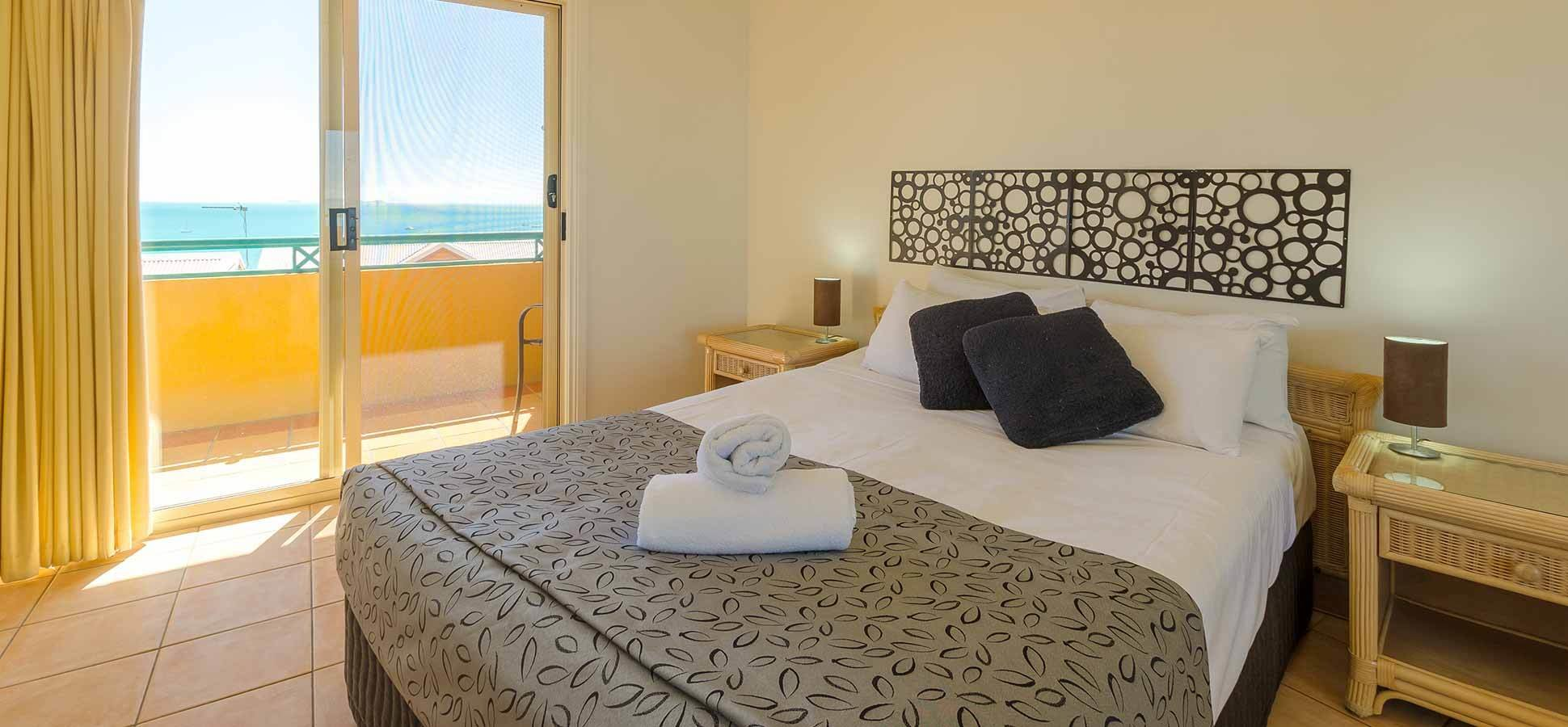 Best One Bedroom Airlie Beach Apartments Toscana Village With Pictures