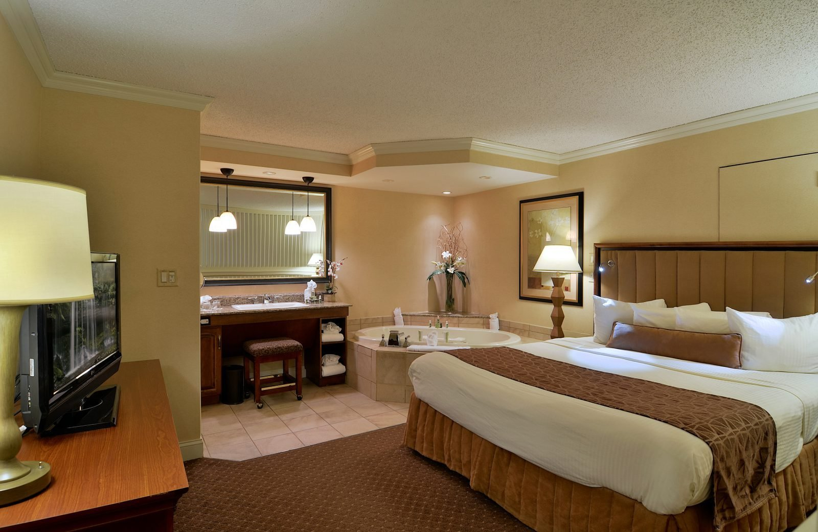 Best Suite In Lancaster Pa Enjoy The One Bedroom P*Nth**S* With Pictures