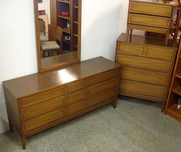 Best 4 Piece Mid Century Modern Bedroom Set By Dixie With Pictures