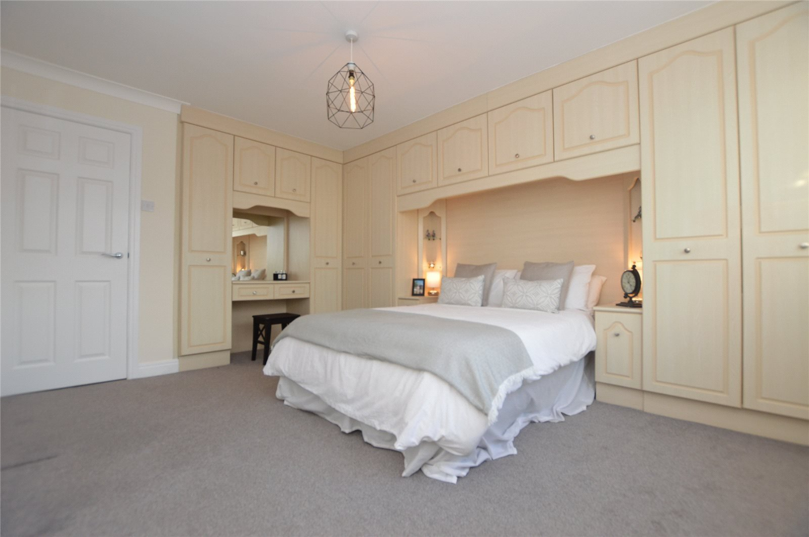 Best Superb Four Bedroom House In Kippax With Additional Self With Pictures